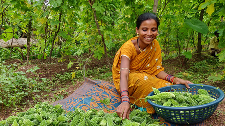 Farmer-Raymati-Manjhi-with-her-produce