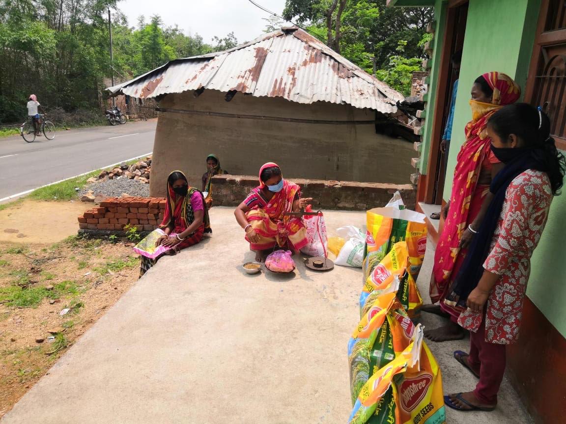 Farm input distribution at farmers' doorsteps in Baghmundi block of Purulia, West Bengal